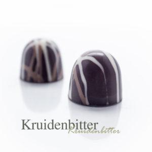 Een zachte vulling gemaakt van de plaatselijke IJsselsteinse Kruidenbitter.
